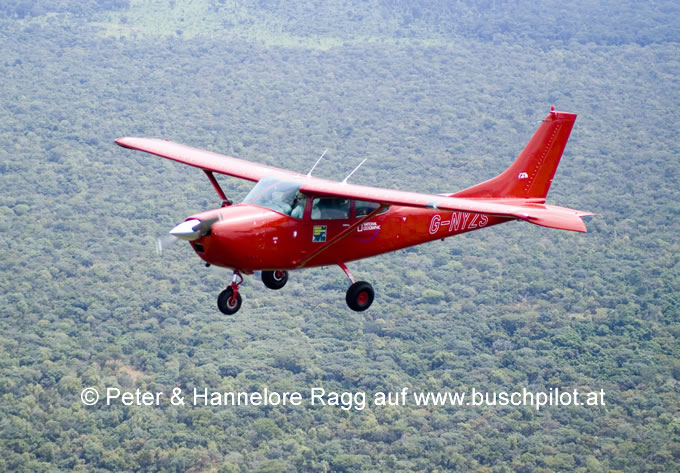 Peters Cessna 182 G-NYZS